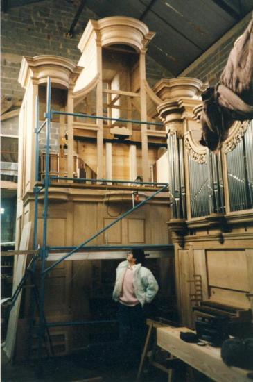 L'orgue  de l 'église en construction chez le facteur