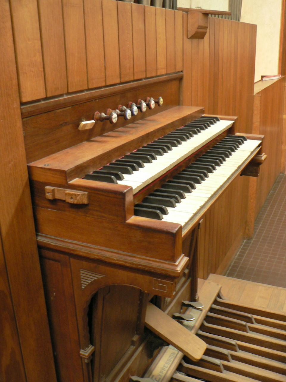 Orgue Clarté Dieu les claviers